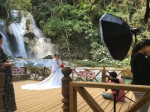 Der Wasserfall ist ein beliegtes Hochzeitsmotiv © 2017