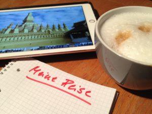 I-Pad, Kaffeetasse und Block