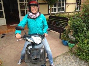 Viele Einheimische fahren mit dem Motorroller - und Touristen hin und wieder auch © 2017